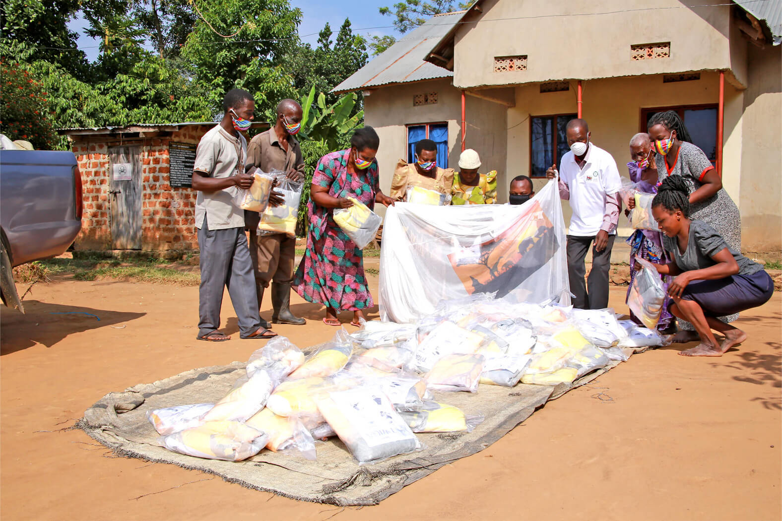 Klamboes verzamelen in Oeganda