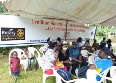 Rotary distributing mosquito nets